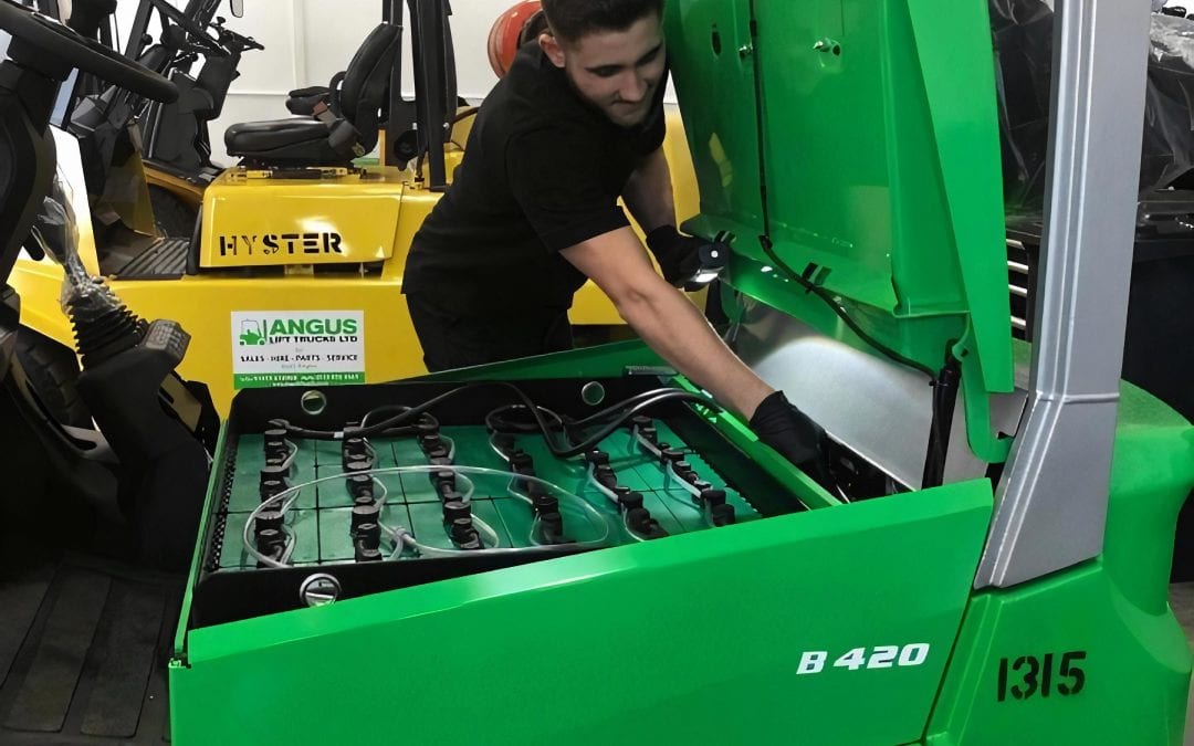 How to Service Your Forklifts: A complete guide