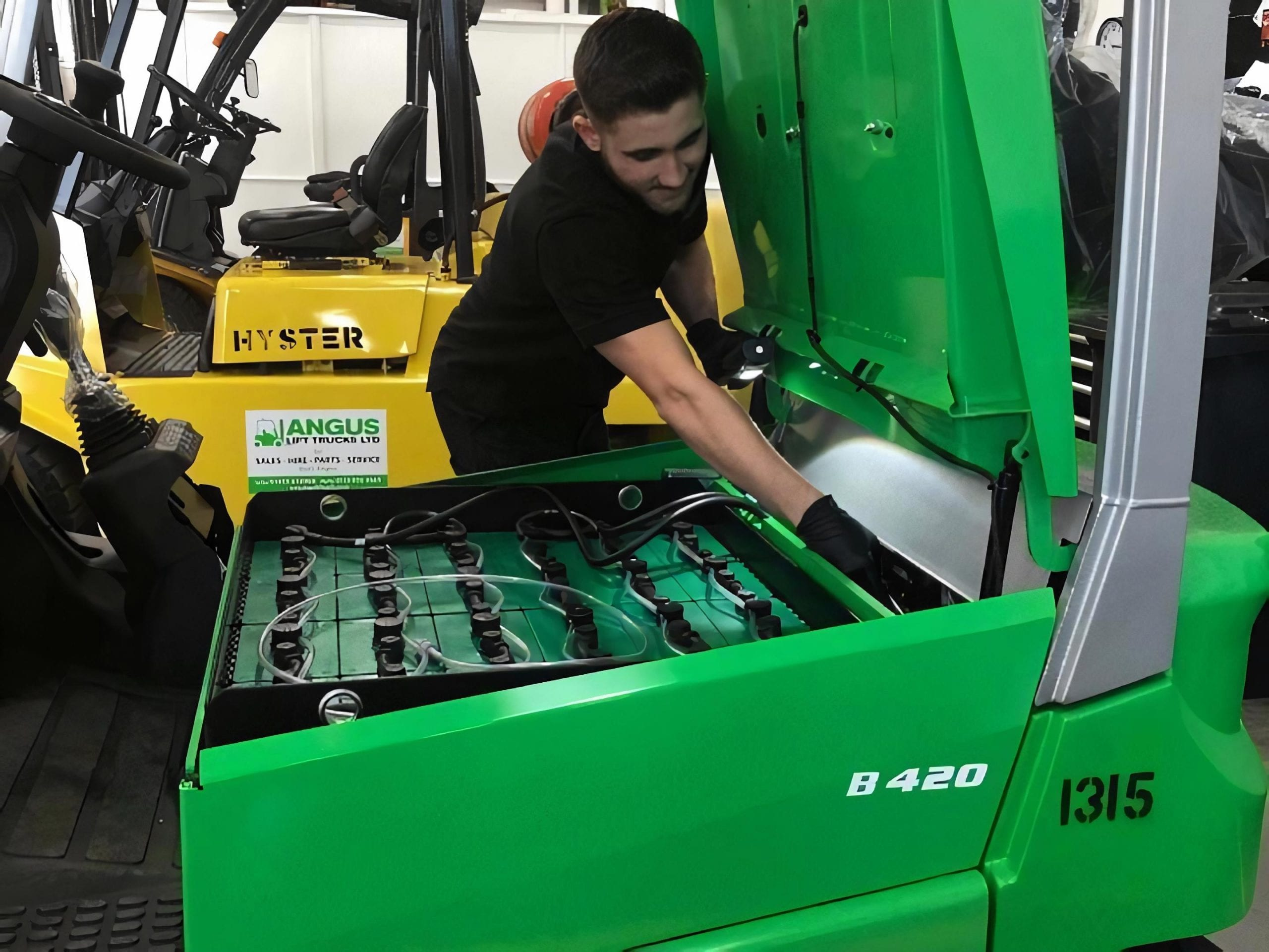 Forklifts Service, Maintenance and Repairs across the UK, in areas like Leicester, Northampton, Nottingham, Derby, Birmingham, Warwick, East Midlands, West Midlands