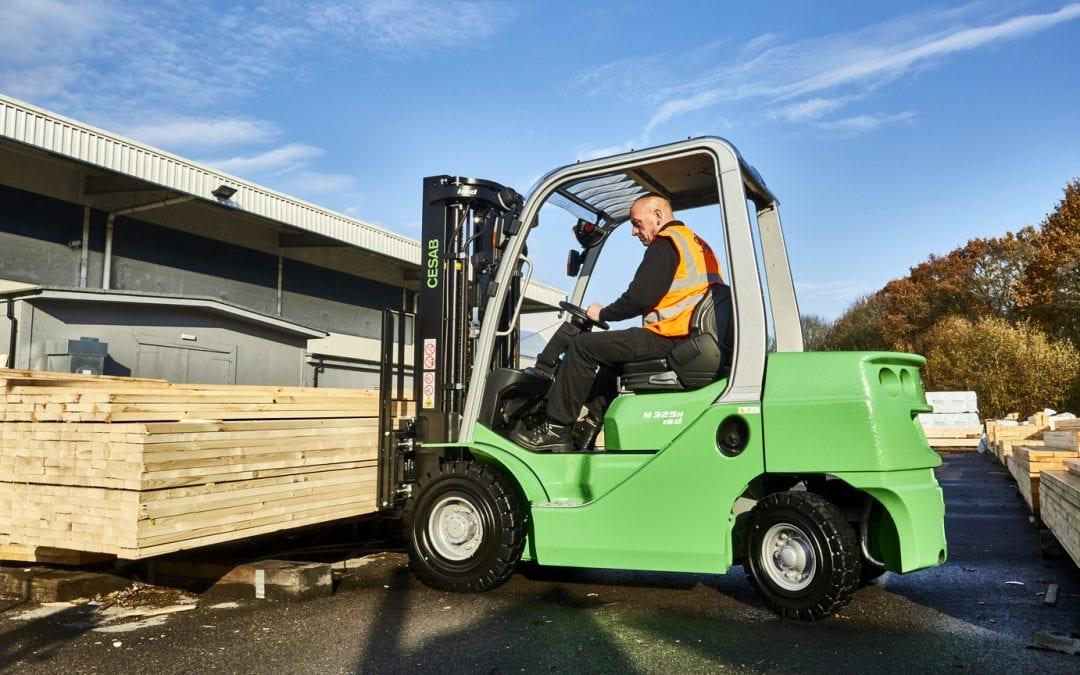 Hiring vs. Buying Forklift Trucks: Benefits & Downsides